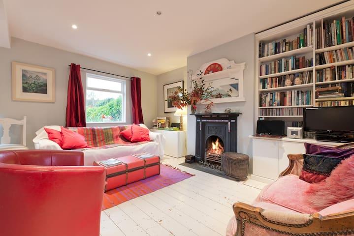 Lovely 2 Bed House in South Dublin - Dublín - Casa