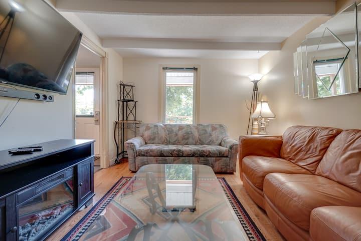 Cozy & Comfortable, Fireplace, Patio - DT