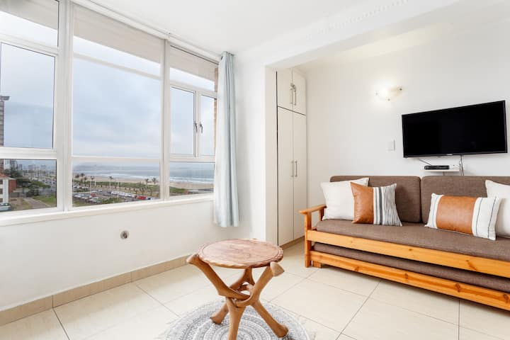 405 Tenbury Holiday Beachfront Apartment