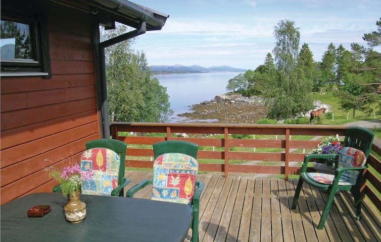 Holiday cottage with 2 bedrooms on 53 m² in Fiksdal