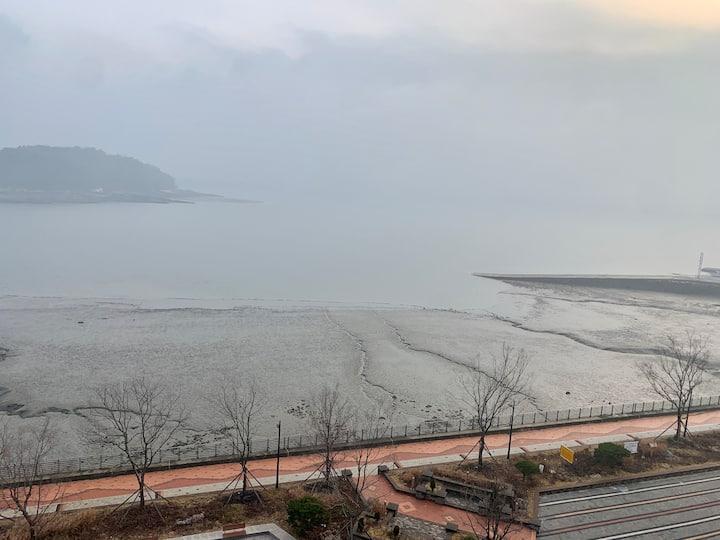 영종도 일출을 볼 수 있는 바다 앞 최고의 조망권! 깨끗한 신축건물!16층 최고 전망