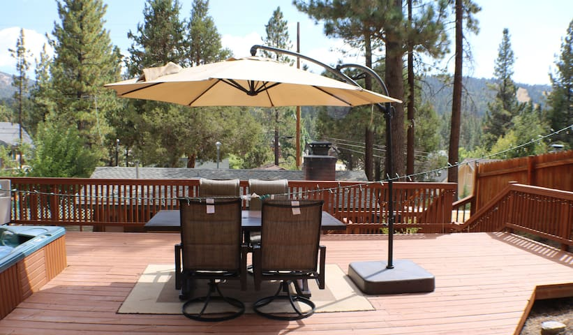 Cozy Cabin with Large Deck and Spa! - Big Bear Lake - Cabin