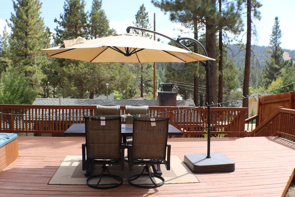 Cozy cabin with large deck and spa cabins for rent in for Cabins for rent in big bear lake ca