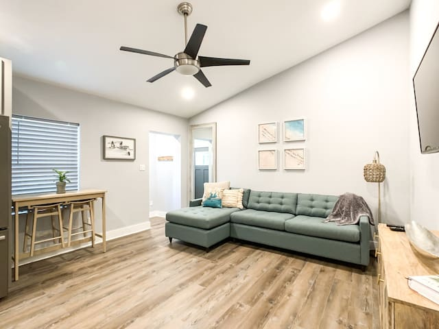 Modern Downtown Suite