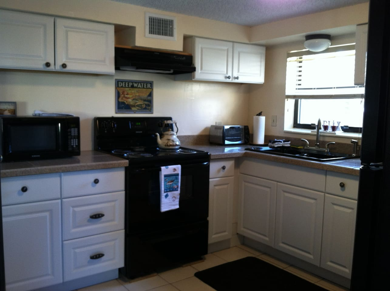 Fully equipped kitchen with lots of extras