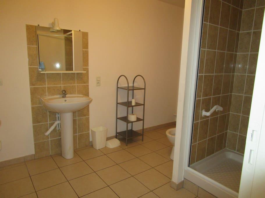 App.1e etage Vue salle de bain