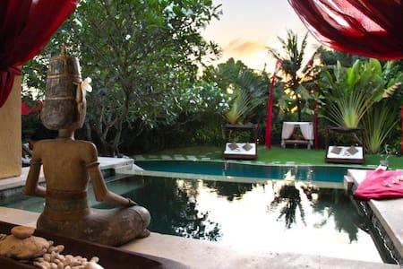 巴里岛奇雅别墅4BR / Gia 4BR Bali Villa - Kuta Utara - Villa