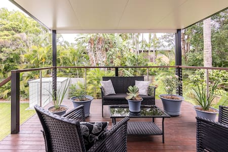 Private Room in Leafy Tingalpa - Tingalpa - Casa