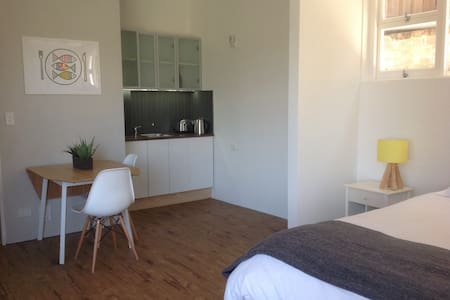 Brand new studio in Manly - Manly - Villa