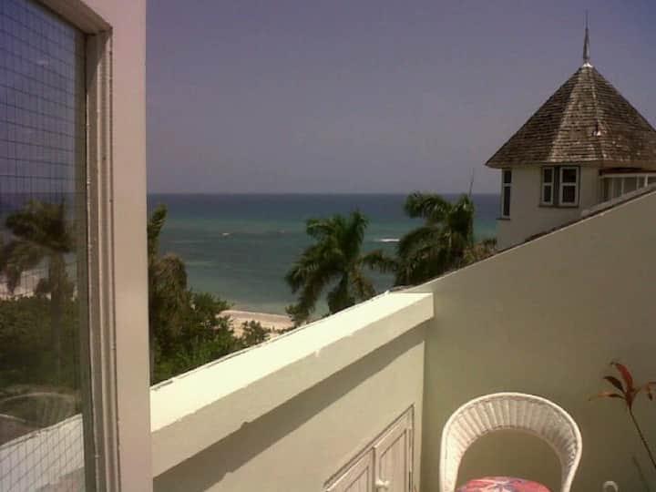 2 BR beach penthouse apartment (A2)