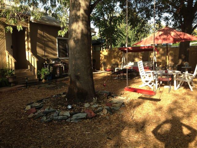 CABIN STYLE HOME LA's NORTHRIDGE CA
