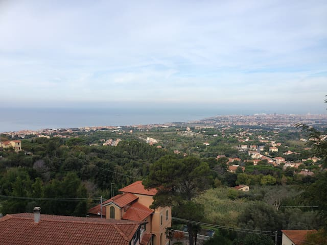 Cosy one-bedroom apartment with panoramic view - Livorno - Apartament