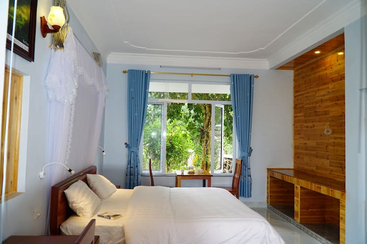 Huy Trung Family Homestay ( Double room)