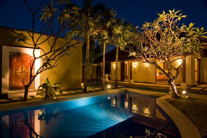 Villa Savannah  5 minutes to Canggu Beach