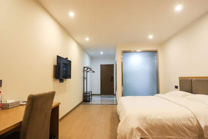 武汉天河机场+免费接送机+酒店公寓大床房2