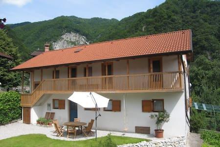 hiseLeban : Leban house 9 - Poljubinj
