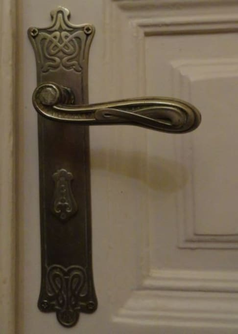 Doorhandle (in living room).