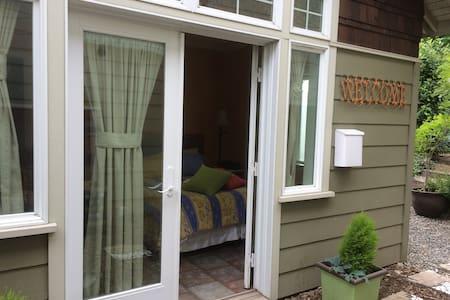 Detached Bedroom en Suite - Seattle - Hospedaria