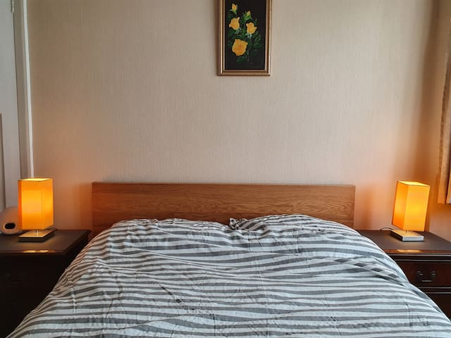 Double Room in Telford, Close to Hospital