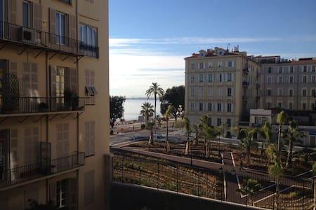 Studio/ Sea view from the balcony - Nizza - Wohnung