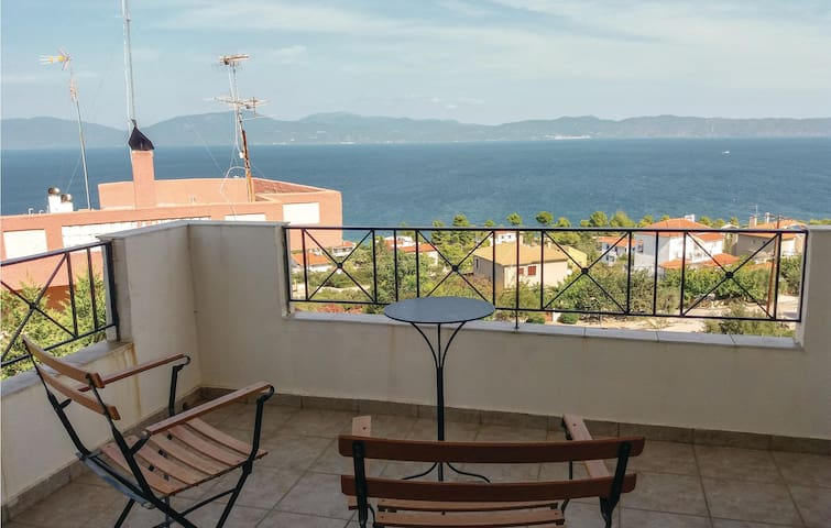 Holiday apartment with 3 bedrooms on 99m² in Theologos