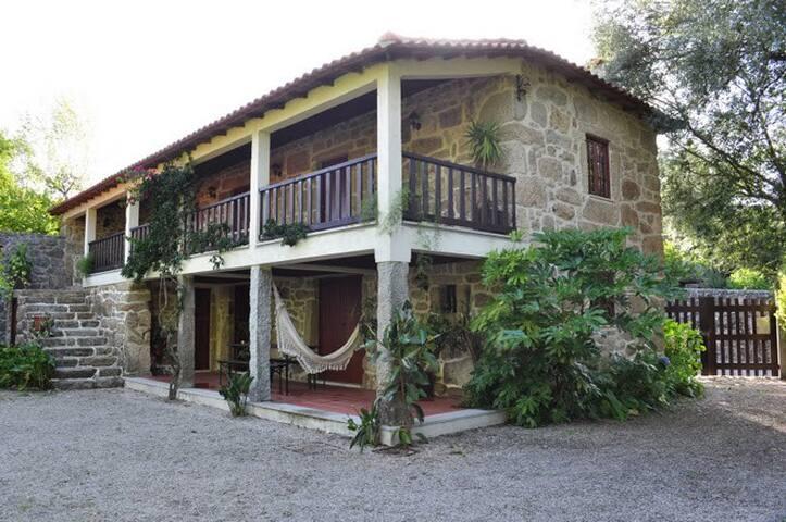 Casa de Regalados do séc. XVIII - Pico de Regalados - Willa