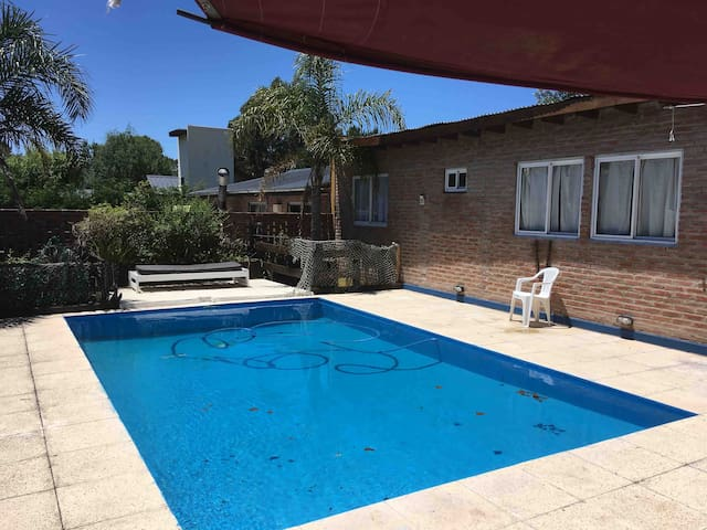 Cabaña 4 Personas/2amb/Parri Piscina/ Pet friendly