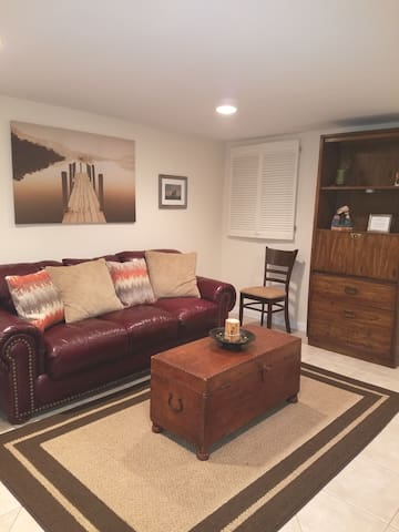Comfy and very spacious one bedroom apartment!
