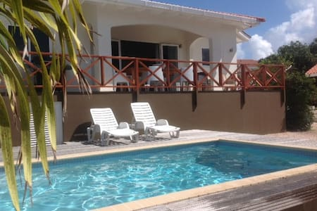 Villa with private pool - Willemstad