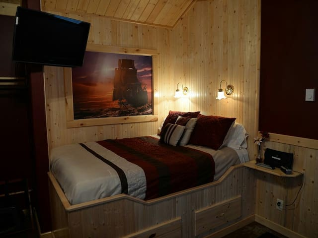 Romantic Couples Cabin, Wifi - Aberdeen