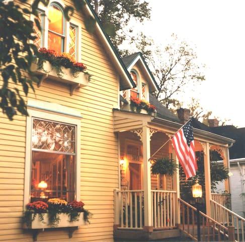 Hillsboro Guest House