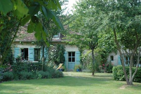 Maison bord de rivière avec ponton - Néons-sur-Creuse