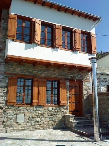 Παραδοσιακό Σπίτι στον Άγιο Λαυρέντιο Πηλίου - Agios Lavrentios - House