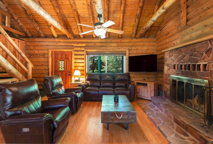 Forest Lakes Cabin | Spacious | Pine Trees | Deck