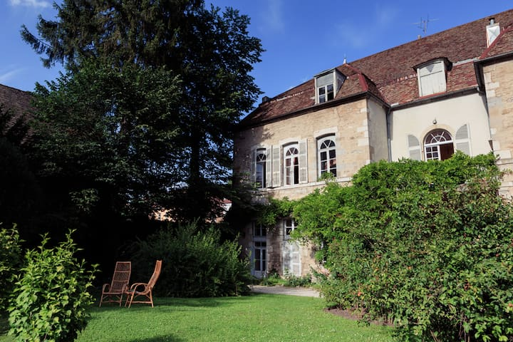 Historic private mansion in Jura - Salins-les-Bains - Casa