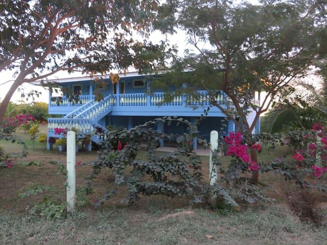 Casa Llyndy Ocean front home - Aserradores - Casa