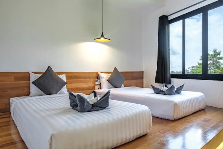 Standard Twin Room with Breakfast