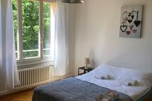 Cosy Studio in front of Lausanne Train Station