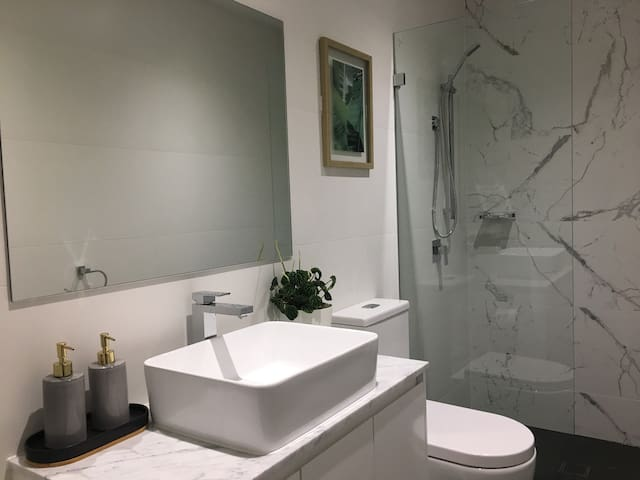Brand new modern and cosy place for a short stay