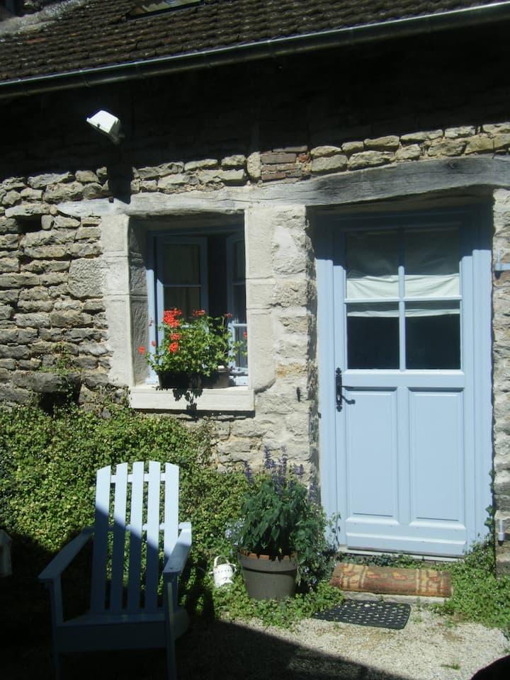 La Bergerie, petite maison de charme en Bourgogne