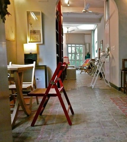 Chic Airy Green Studio Apartment - ニュー·デリー - アパート