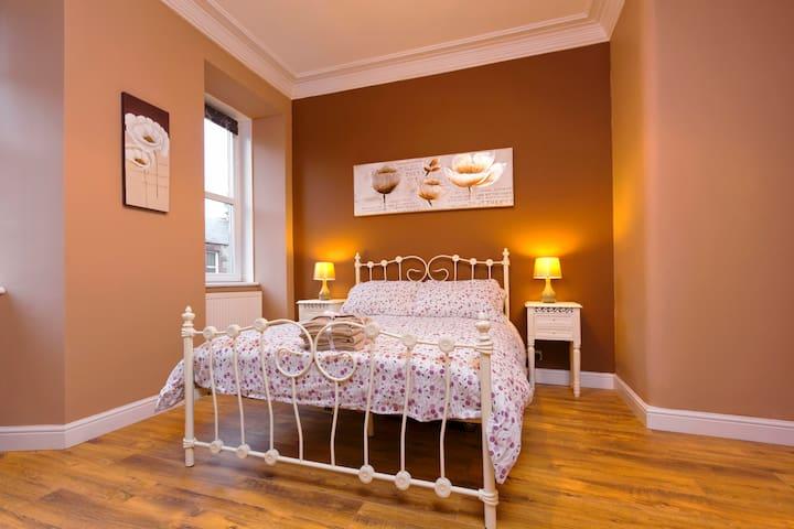 Stylish Apartment near Royal Mile with Netflix!