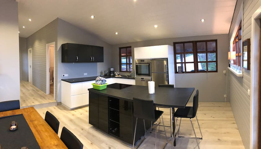 New 2019 kitchen all house has heated floors.