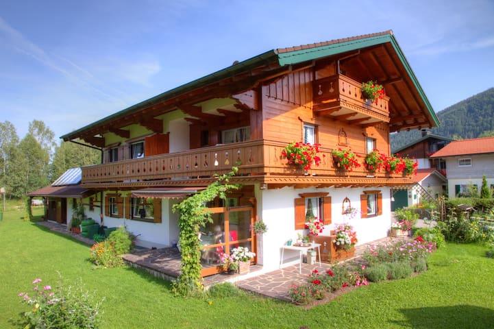 FeWo 4 Pers. Inzell 2 ZKB  Balkon - Inzell - Lägenhet