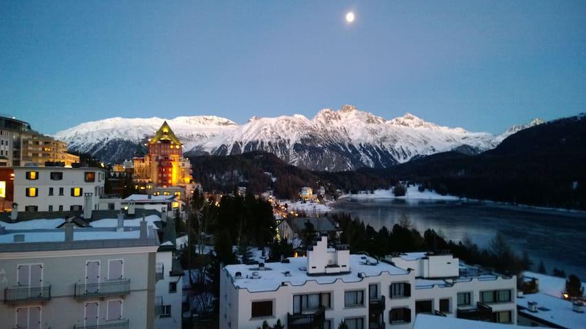 2 Zi-Whg. in St. Moritz-Dorf - Saint Moritz - Lägenhet