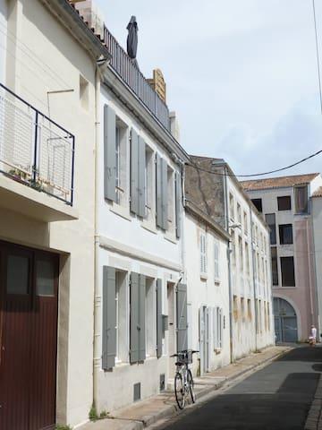maison de pêcheur vieux port