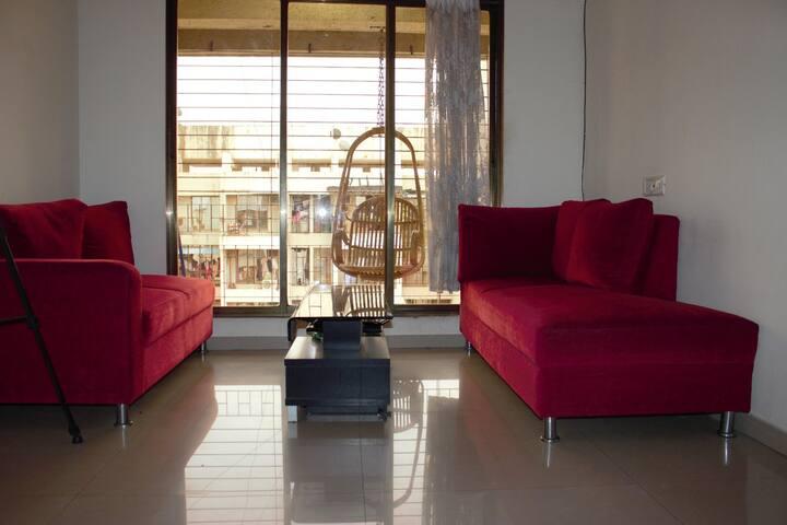 Charming, Intimate & A Creekside Apartment - Navi Mumbai - Daire