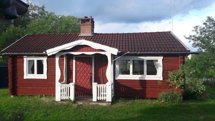 Charming cottage by lake at the heart of Dalarna