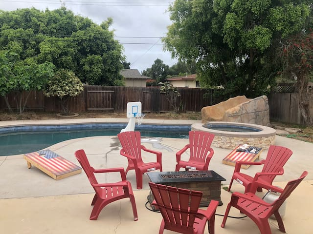 New Salt Water Pool Home Close to Downtown.