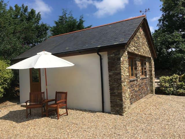 Hendham view-Boutique retreat for 2 in South Devon